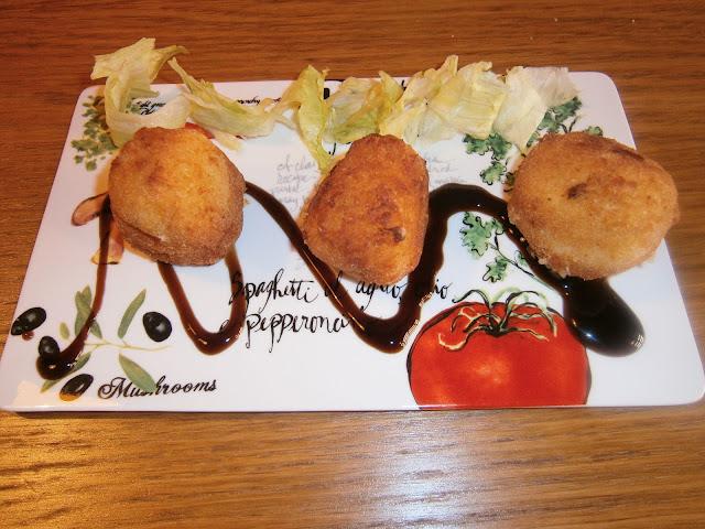 Croquetas de pollo y jamón.