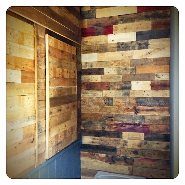 Bathroom pallet storage
