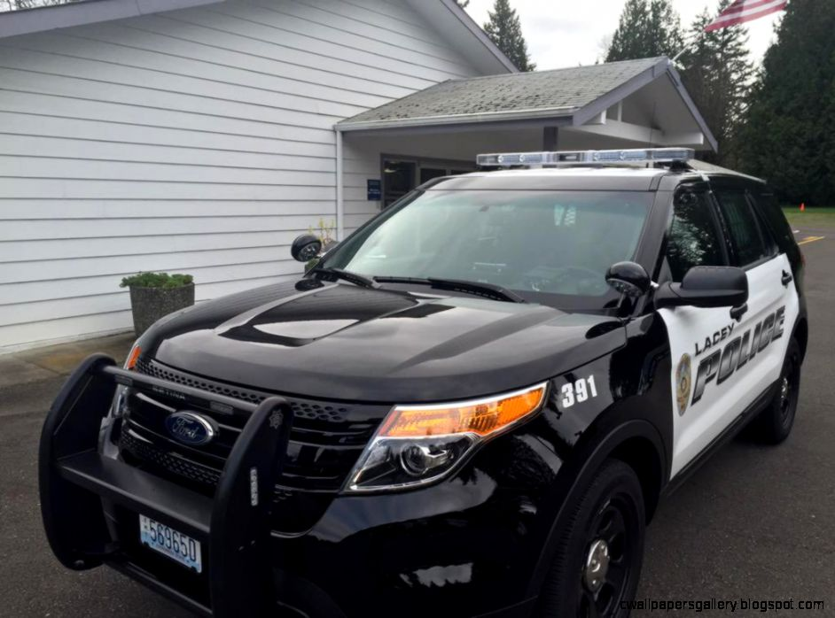 Police Suspect fled to residence after stealing car with 2 kids