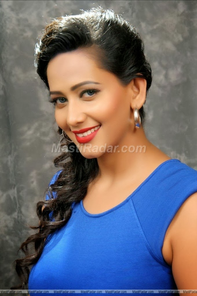 Sanjana Singh Latest Sexy Hot Photos Collection In Tight Dress
