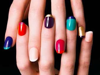 Out Line with different Colours  Nail Art
