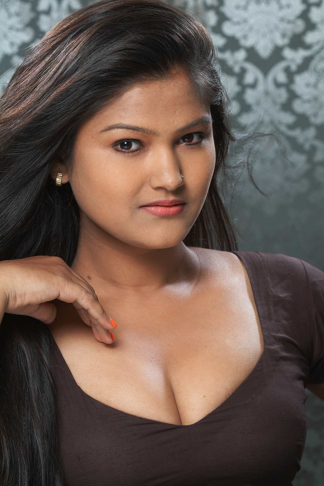 Actress Kiran Cleavage Show Hot New Tamil Girl Showing Deep Boobs