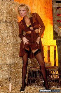 hot chicks - rs-001-727641.jpg