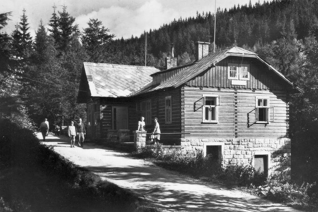 Mumlavská bouda na staré fotografii