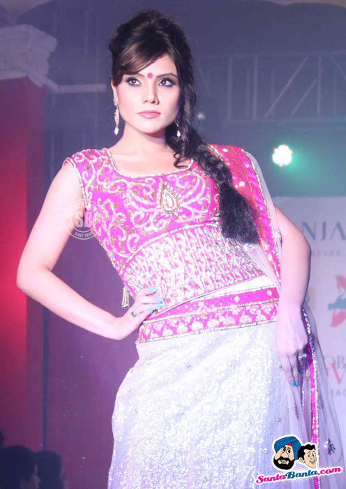 Model Walk the Ramp at Global Movie Independence Fashion Show  - (18) - Global Movie Independence Fashion Show Photos