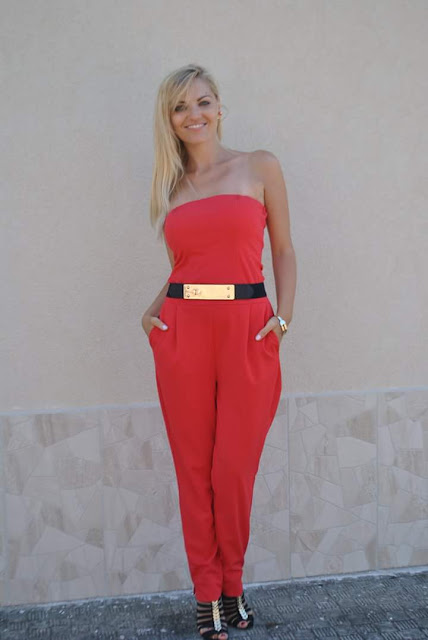 outfit rosso tuta rossa tuta elegante rossa jumpsuit rossa abbinamenti jumpsuit red outfit schutz sandals la forketta outfit agosto mariafelicia magno fashion blogger color block by felym fashion blog italiani fashion blogger italiane ragazze bionde summer outfits