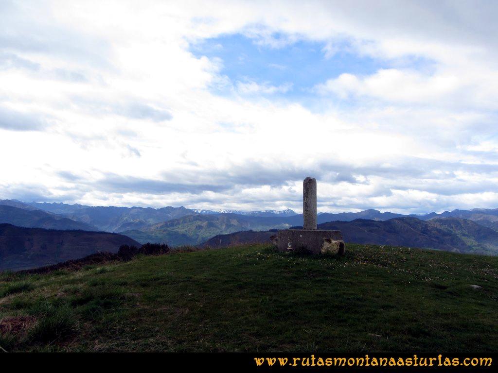 Cima del pico Incos, Cabranes