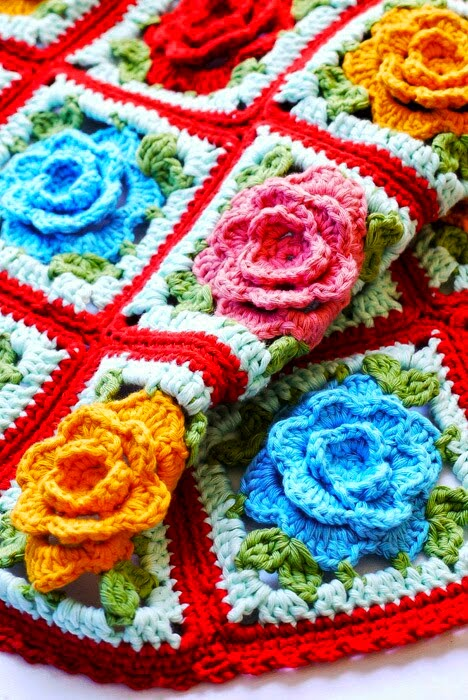http://thelittletreasures.blogspot.com/2015/03/how-to-read-granny-square-charts.html