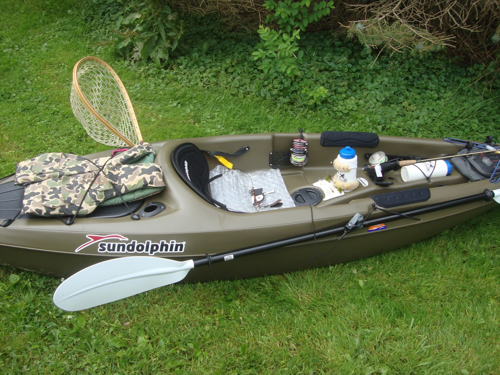 Streamside tales sun dolphin kayak experienced review for Sun dolphin fishing kayak