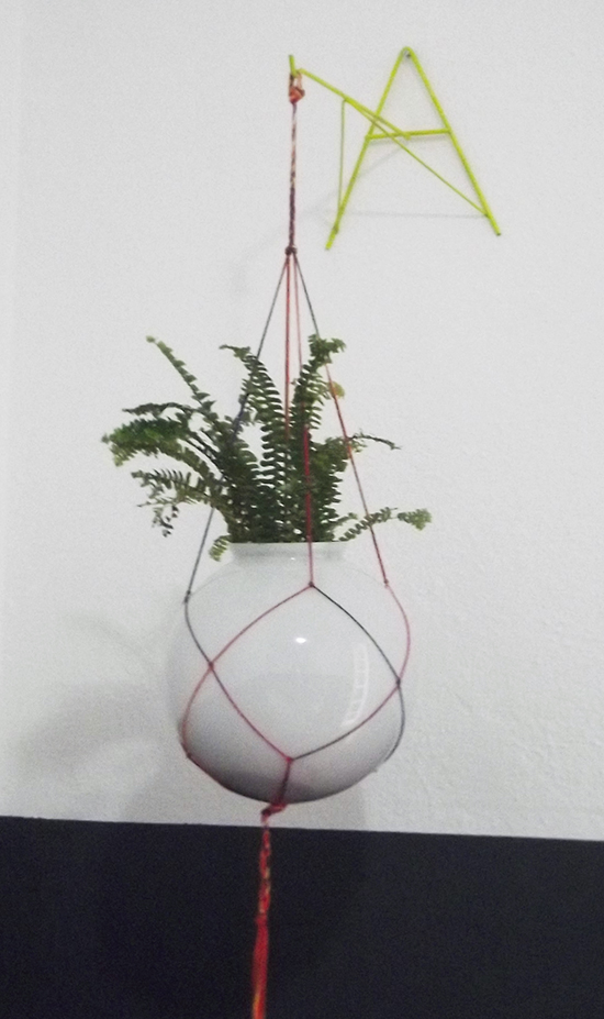 fio de macrame, suporte de vaso, plant hanger, fio colorido, plantas, vaso de plantas