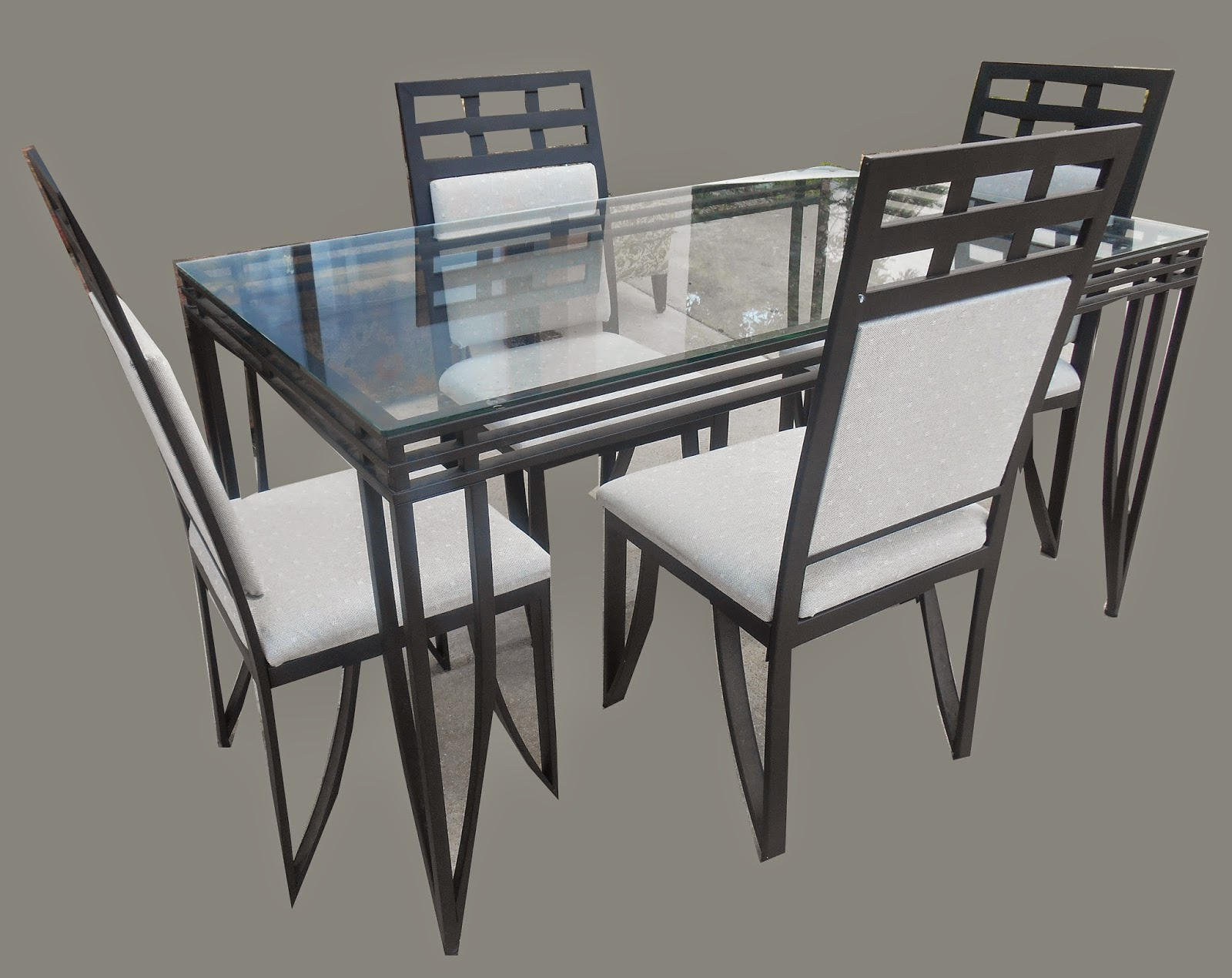 Uhuru Furniture Collectibles Glass Metal Dining Table 4 Chairs 175