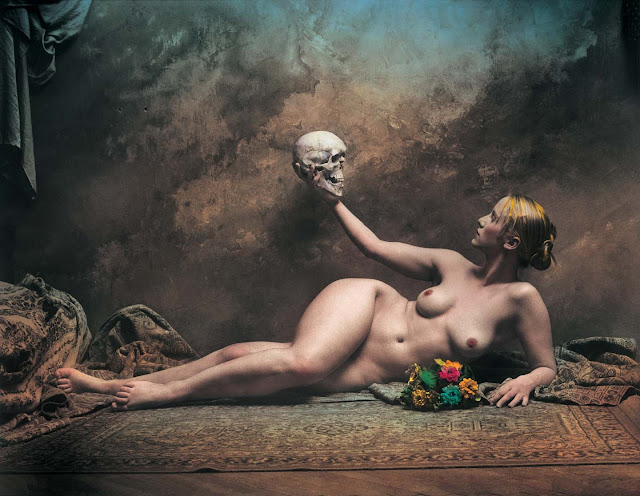 http://3.bp.blogspot.com/-eXGhQGAbd_w/Tuzl4KGaQRI/AAAAAAAAbCI/CCM_aaovrY0/s1600/jan-saudek-the-slavic-girl-with-her-father-1998.jpg