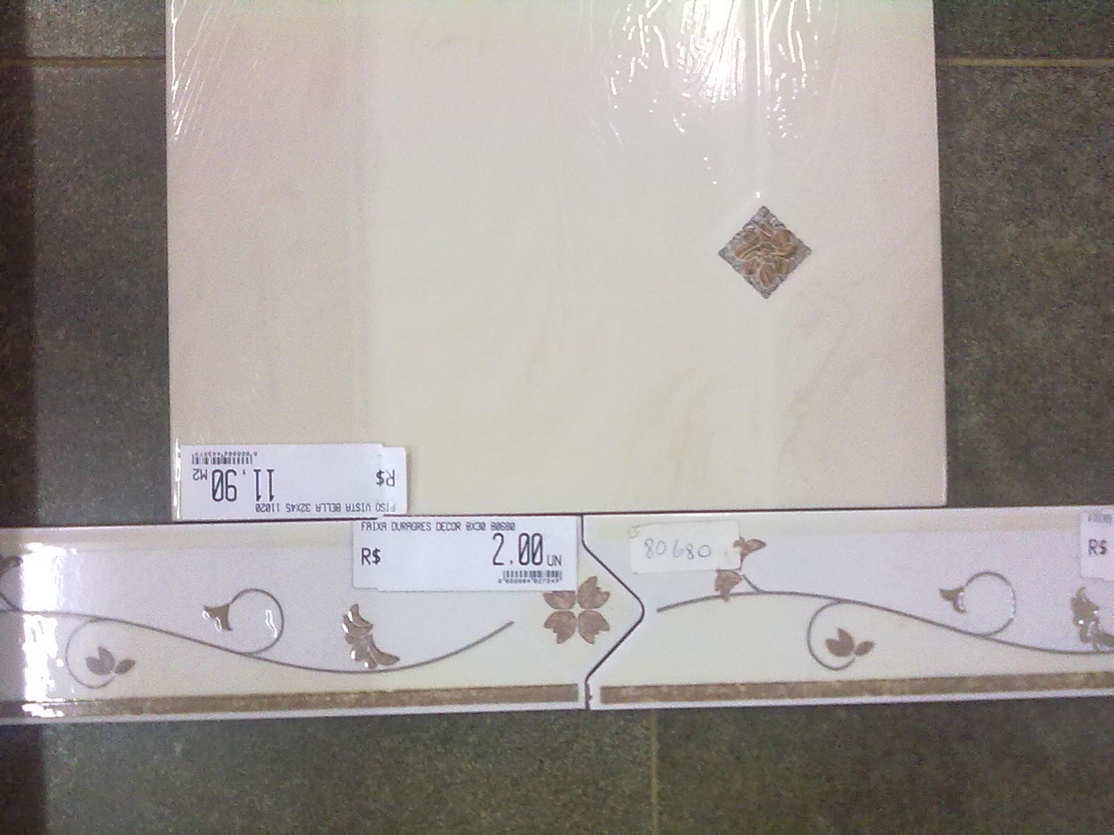 No banheiro da suite iremos fazer uma das paredes do box com cerâmica  #736158 1600x1200 Banheiro Com Pastilha Em Uma Parede