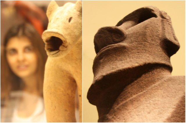 Escultura japonesa, haniwa de un jabalí y Hoa Hakananai, moai de la Isla de Pascua o Rapa Nui en el British Museum, Museo Britanico en Londres