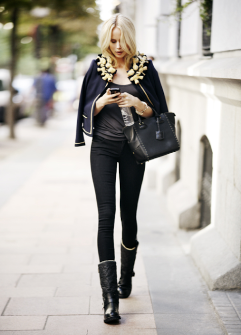 Fashion - Blonde in Black, Classic