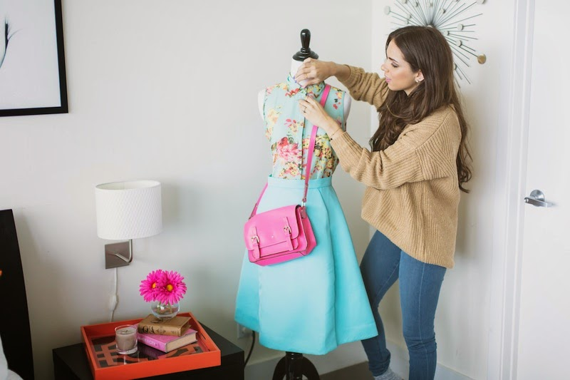 miami fashion blogger, fashion blogger, nany's klozet, daniela ramirez, valentine's day fashion, chloe perfume, midi skirt, floral, chiki, maltese dog, gabriel sanchez