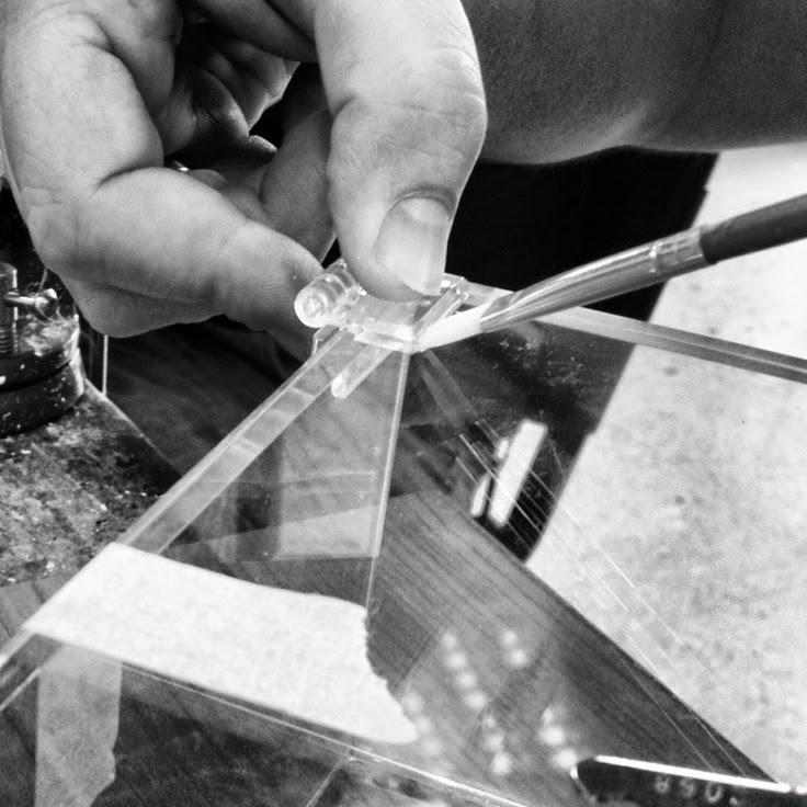 come incollare il plaxiglass