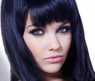 Сонник-девушка с черными волосами