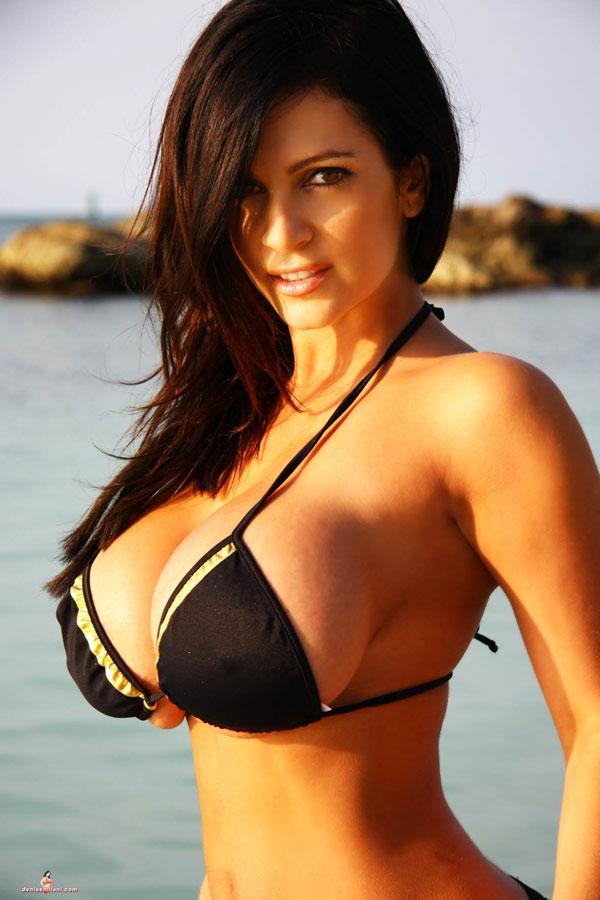Pornstars and models: Denise Milani - In Black