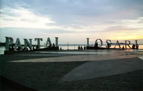 Wisata Pantai Losari Makasar