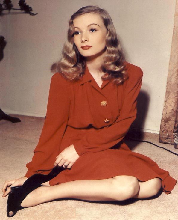 Vintage Clothing Love: Happy Birthday Veronica Lake