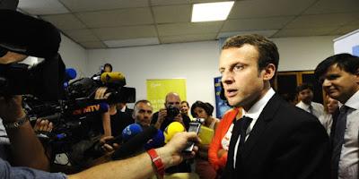 Emmanuel Macron assure ne pas avoir de plan pour 2017. Ce qui ne l'empêche pas de crouler sous les propositions de circonscription pour les prochaines législatives.