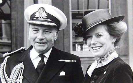 Capitán Dennis John Scott-Mason - Nottingham Malvinas