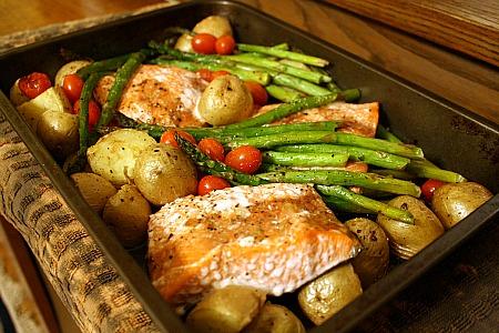 sauce salmon and potatoes in tomato sauce recipes dishmaps salmon ...
