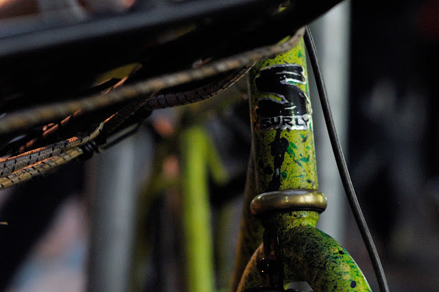 Surly, 1x1, frame, single speed, bicycle, bike, custom, modified, mod, bespoke, paint job, tim Macauley, the Biketorialist, the light monkey collective, Collins st, Melbourne, Australia, green, gritty, grit, splatter, awesome, paintjob, headstem, badge, logo,