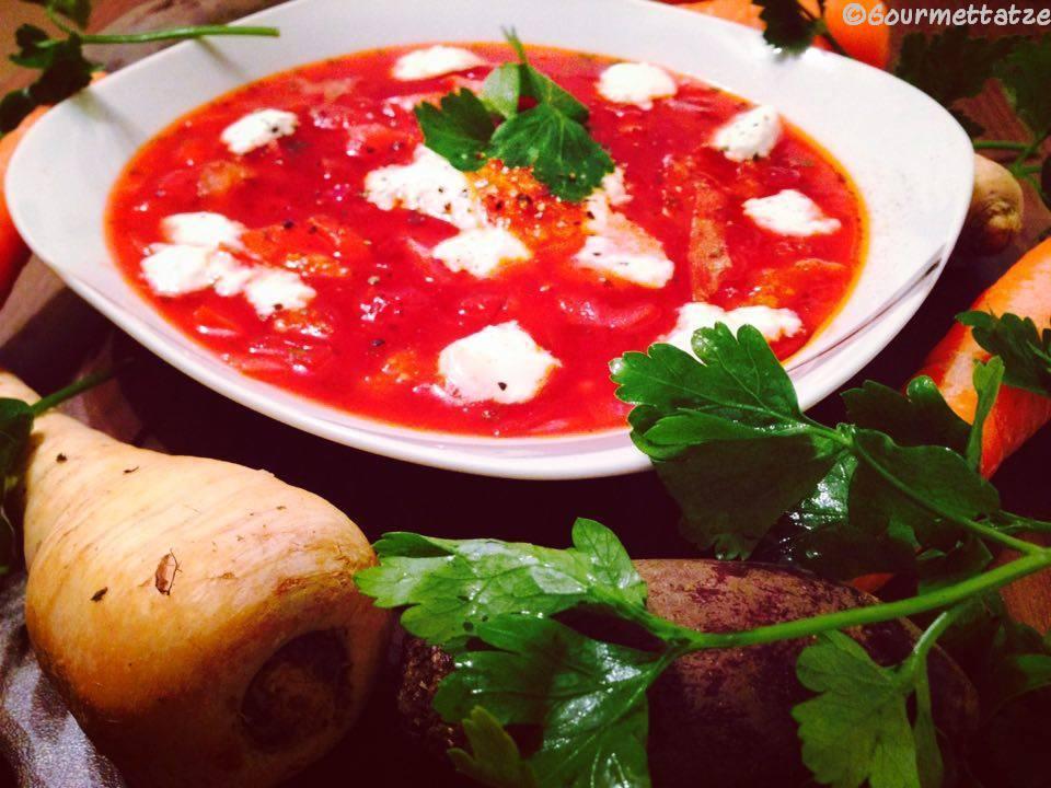 gourmettatze ein russischer klassiker borschtsch vegetarisch. Black Bedroom Furniture Sets. Home Design Ideas