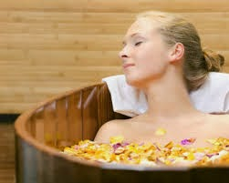 Permalink to 4 Benefits of Soaking Bath