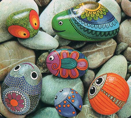 The w 39 s painted stones for Outdoor decorating with rocks