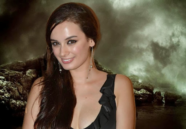 Evelyn Sharma Wallpapers Free Download