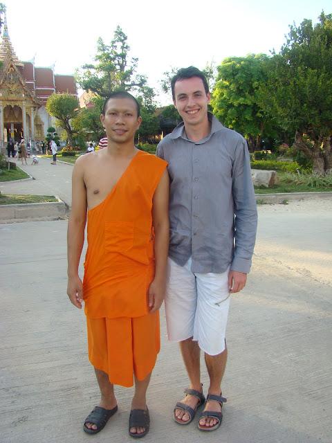 Фото с монахом, на счастье.