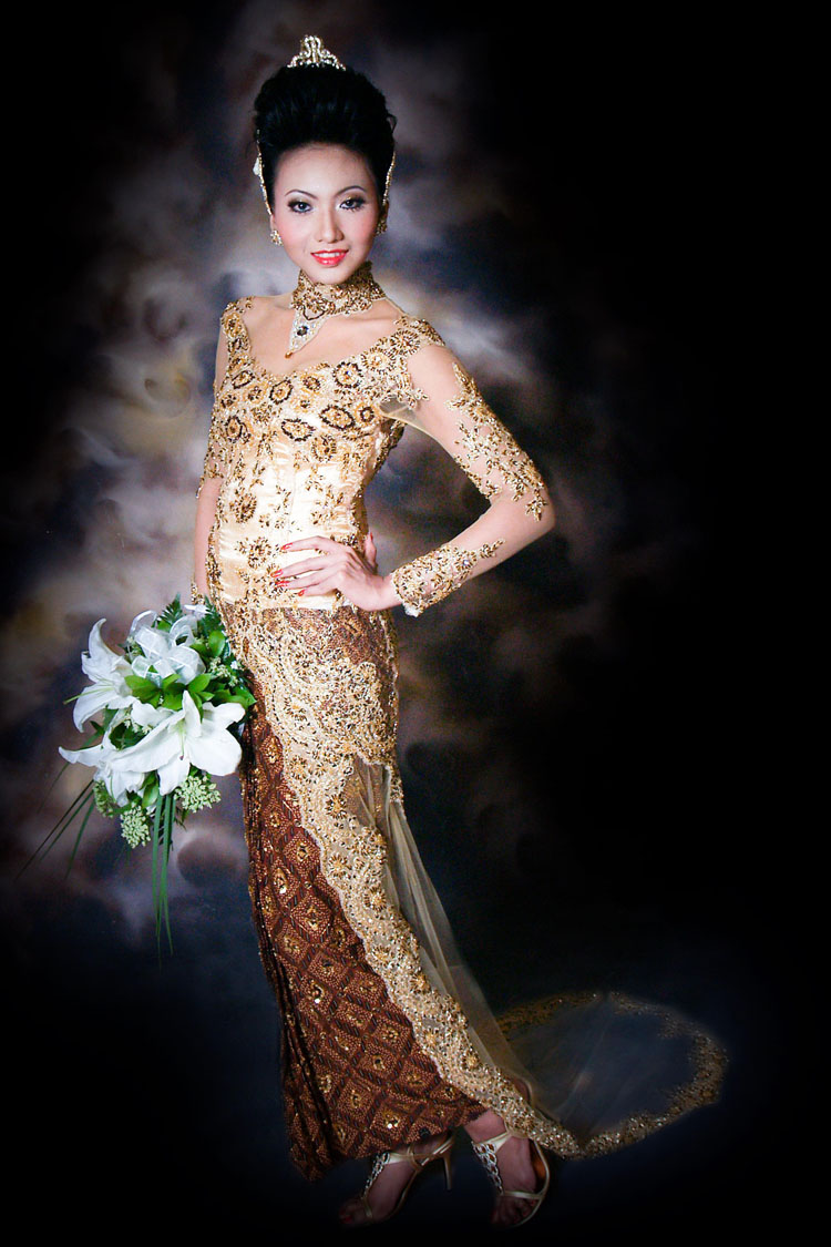 Dress Kebaya Indonesia: Anne Avantie