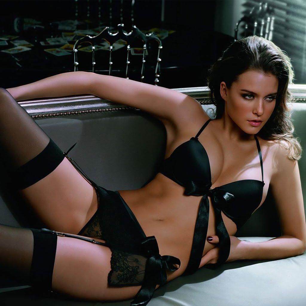 http://3.bp.blogspot.com/-e_2Rw9oV-0U/T2OSzzecjvI/AAAAAAAASGs/c9VrYiWlp9s/s1600/Kim+cloutier+black+hot+sexy+coolaristo+11.jpg