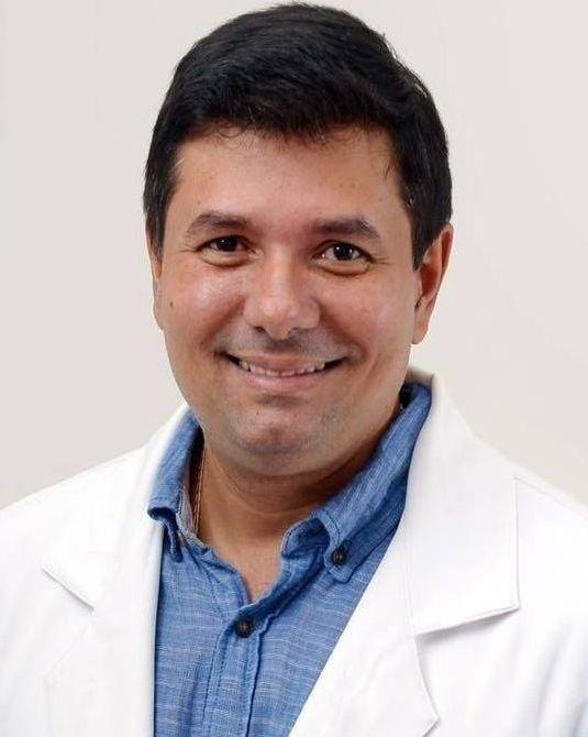 DR. ADRIANO