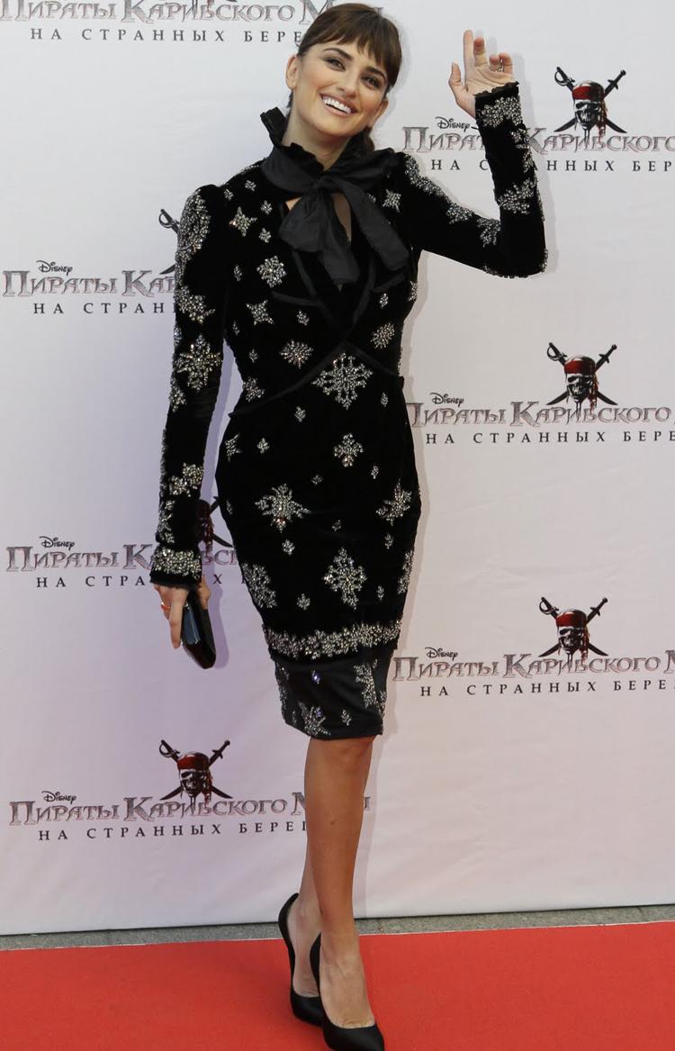 Fresh Look Celebrity Penelope Cruz Hairstyles 17
