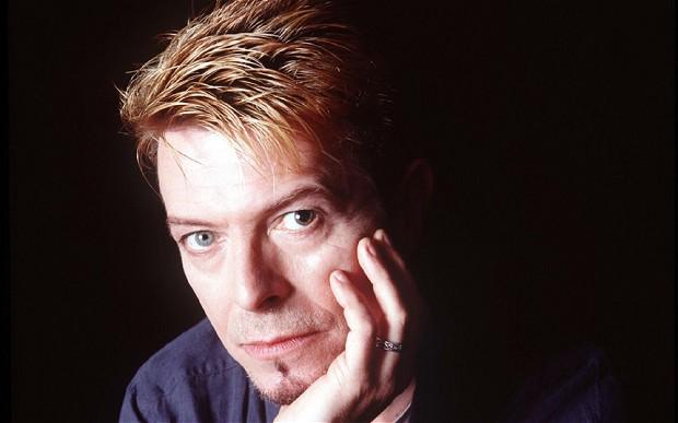 Cantor David Bowie morre de câncer aos 69 anos