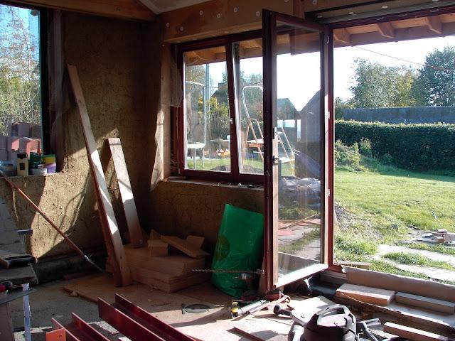 Stro Keuken: isoleren boven de ramen