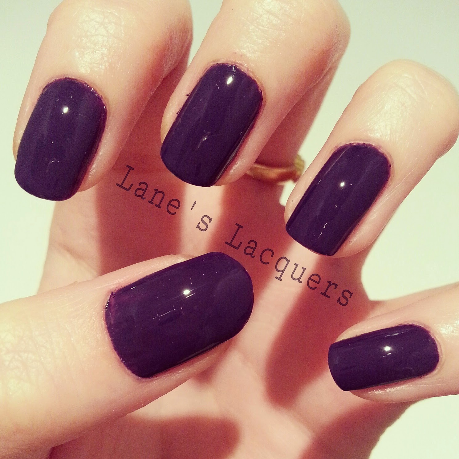 nails-inc-glamour-magazine-wigmore-street-swatch-manicure