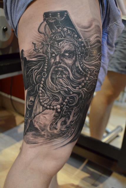 Artist elvin yong from elvin tattoo singapore