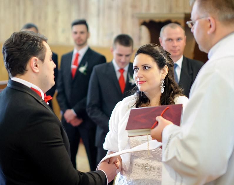 vestuvių ceremonija Vištyčio Švč. Trejybės bažnyčioje