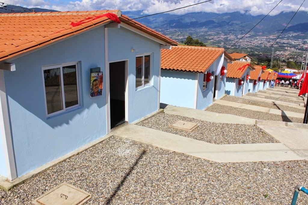 150 familias tachirenses recibieron las llaves de sus viviendas ...