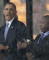 Obama y el falso intérprete del funeral de Nelson Mandela