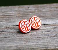 http://honeybeelanedesigns.com/item_234/Monogrammed-Stud-Earrings.htm
