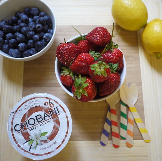 ... : EAT: fresh strawberry and blueberry yogurt pops with Chobani yogurt