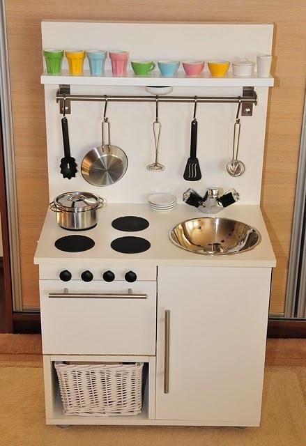 Entre barrancos manualidades cocinas de juguetes for Cocina juguete ikea opiniones
