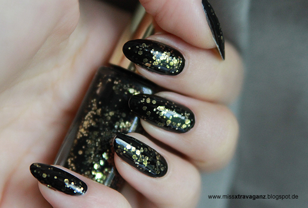 nagellack l 39 oreal gold schwarz miss von xtravaganz. Black Bedroom Furniture Sets. Home Design Ideas