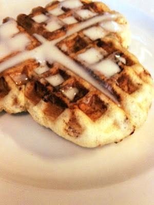 cinnamon rolls in a waffle iron, waffle iron cinnamon rolls, cinnamon rolls pinterest, pinterest waffle cinnamon rolls, waffle iron, frosting, breakfast